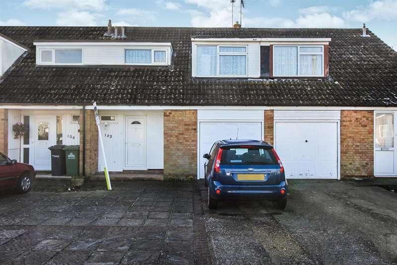 3 Bedrooms Terraced House for sale in Windmill Lane, Cheshunt, Herts EN8