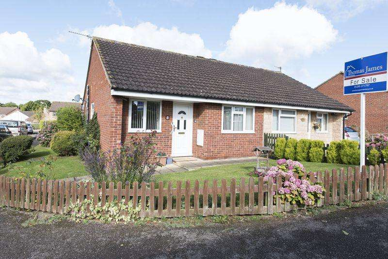 2 Bedrooms Bungalow for sale in Sussex Drive, Banbury
