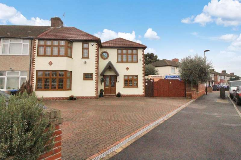 4 Bedrooms End Of Terrace House for sale in Ian Square, Enfield
