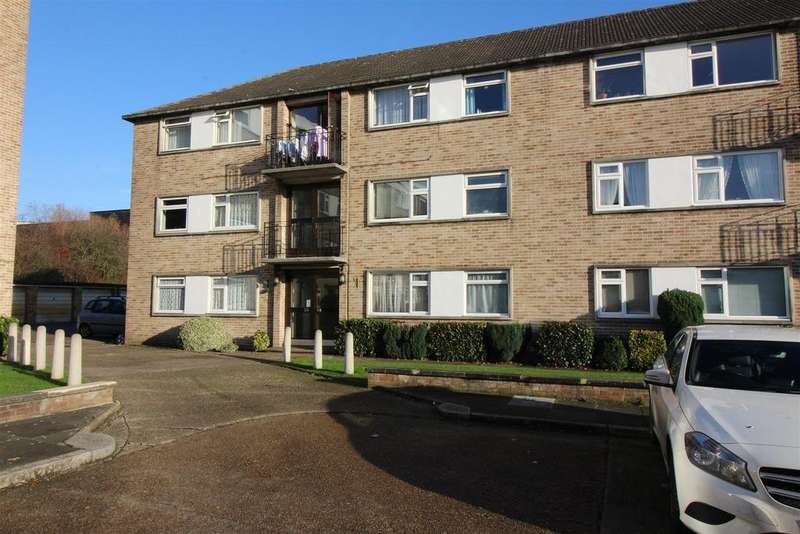 2 Bedrooms Flat for sale in Bridle Close, Enfield
