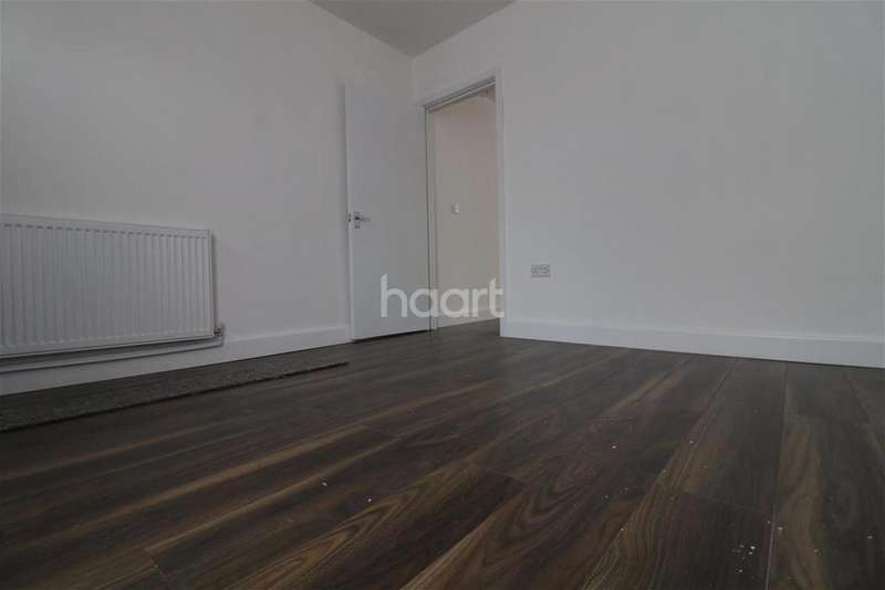3 Bedrooms Detached House for rent in Park Street, Luton