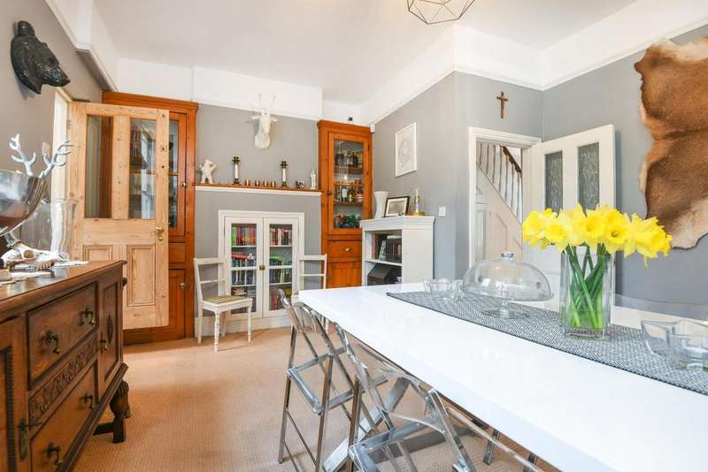 3 Bedrooms Terraced House for sale in Dallin Road, Plumstead