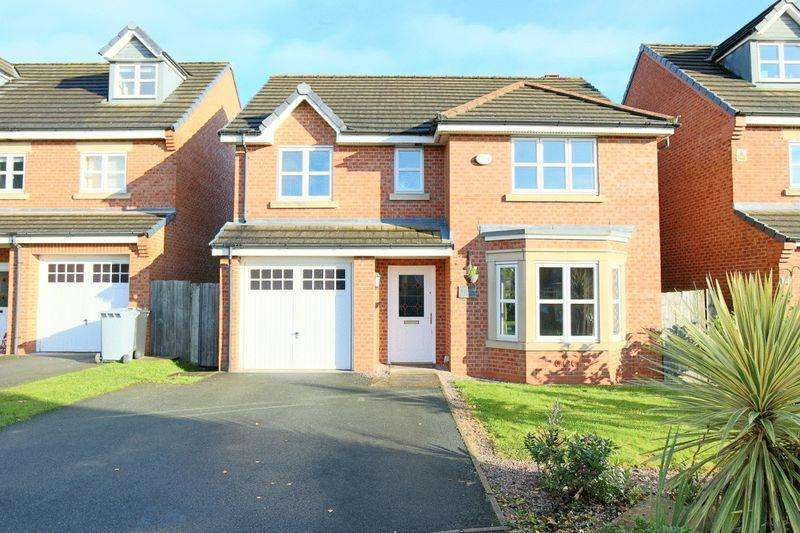 4 Bedrooms Detached House for sale in Mayfair Drive, Crewe