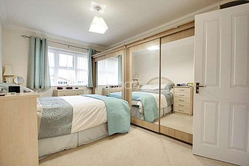 3 Bedrooms Bungalow for sale in Jasmine Court, Hockley