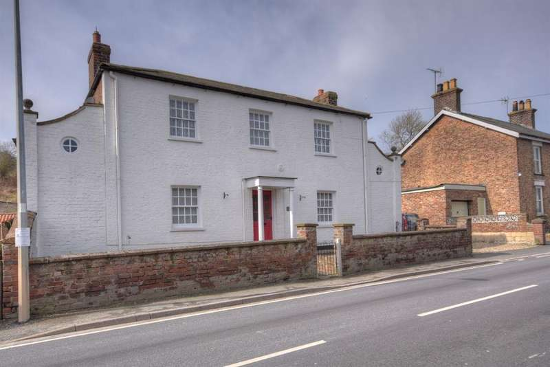 3 Bedrooms Detached House for sale in Front Street, Langtoft, Driffield, YO25 3TS