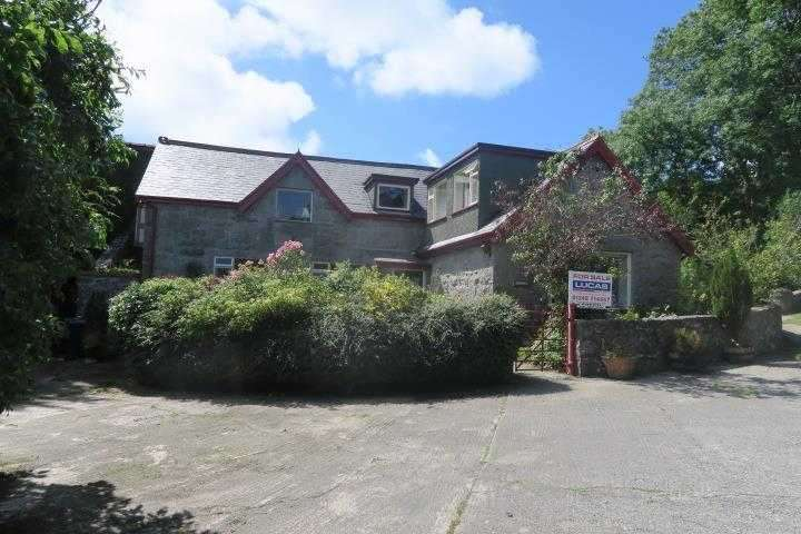 8 Bedrooms Detached House for sale in Gorwel, Llanallgo, Llanallgo
