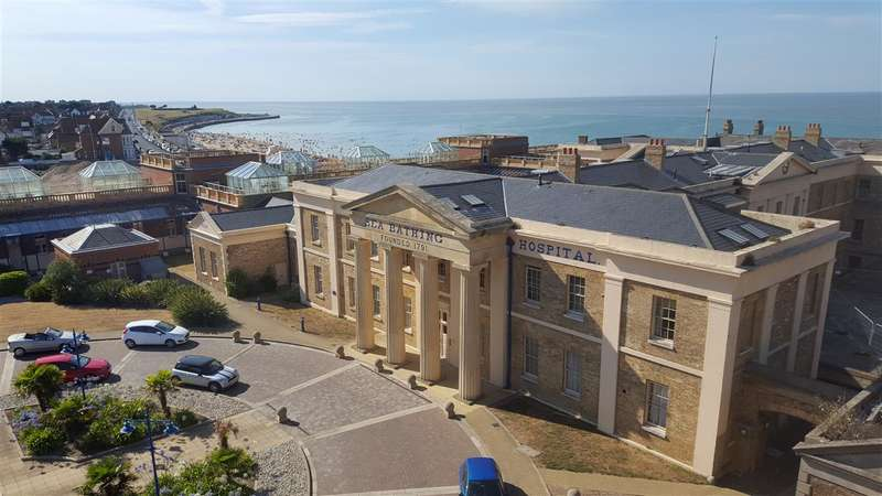 2 Bedrooms Apartment Flat for sale in Victoria Court, The Royal Seabathing, Canterbury Road, Margate
