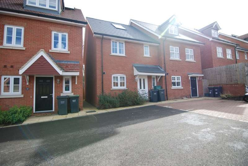 3 Bedrooms Property for sale in Dame Kelly Holmes Way, Tonbridge TN9
