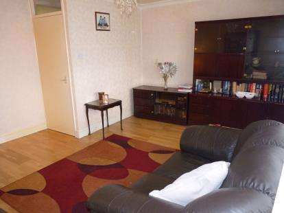 3 Bedrooms Flat for sale in Bell Court, Bell Lane, London