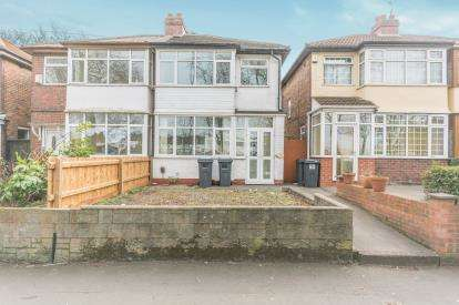 3 Bedrooms Semi Detached House for sale in Stockfield Road, Acocks Green, Birmingham, West Midlands