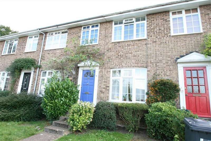 3 Bedrooms Terraced House for rent in Oakfields