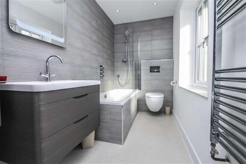 3 Bedrooms Detached Bungalow for sale in Sladburys Lane, Holland-on-Sea