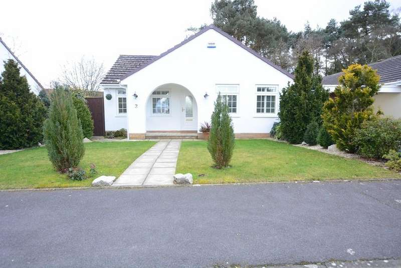 2 Bedrooms Detached Bungalow for sale in Lombardy Close, Verwood