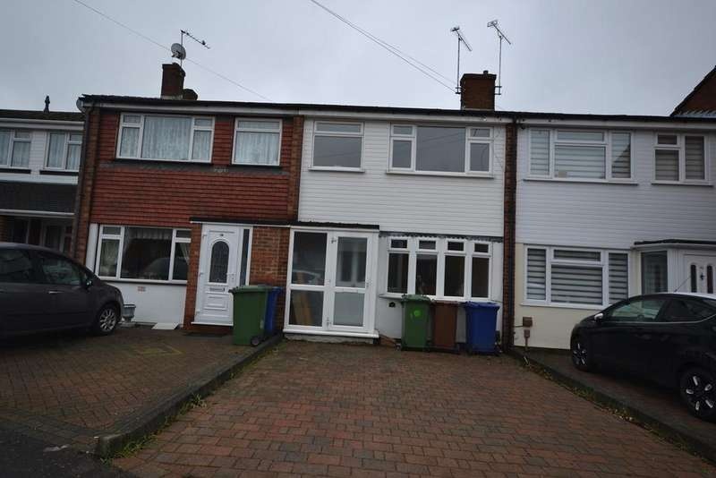 3 Bedrooms Terraced House for sale in Rose Valley Crescent, Stanford-le-Hope, SS17
