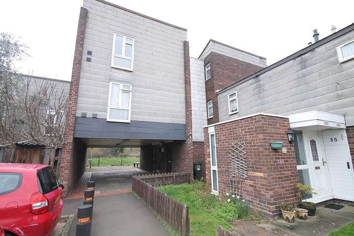 1 Bedroom Flat for sale in Engleheart Drive, Feltham, TW14