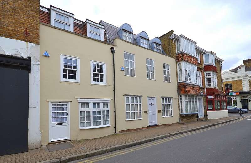 3 Bedrooms Terraced House for sale in Lower Sunbury