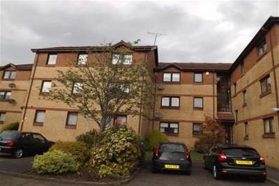 2 Bedrooms Flat for rent in Stonefield Green Paisley