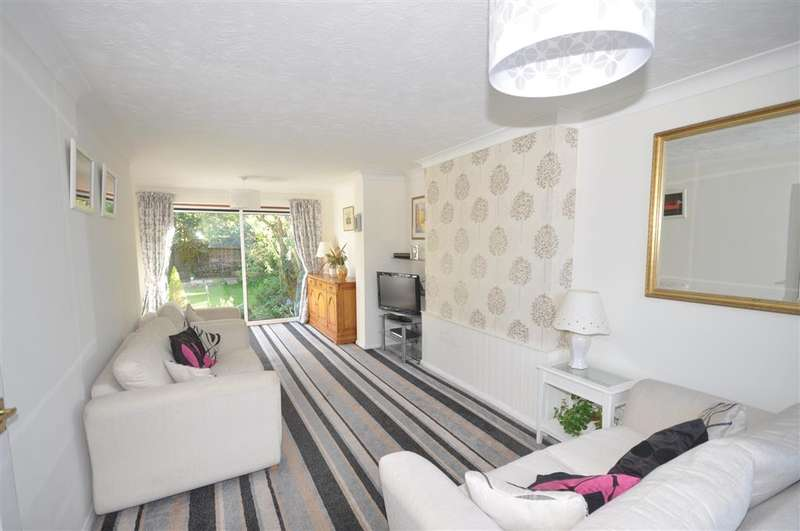 3 Bedrooms Semi Detached House for sale in Glade Gardens, , Shirley, Surrey