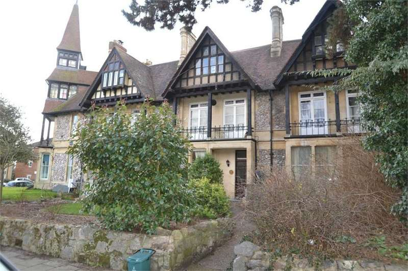 4 Bedrooms Flat for sale in Creffield Road, Lexden, Colchester, Essex