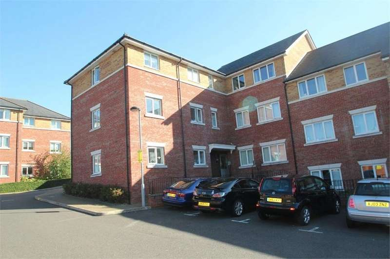2 Bedrooms Flat for sale in Ratcliffe Court, Colchester, Essex