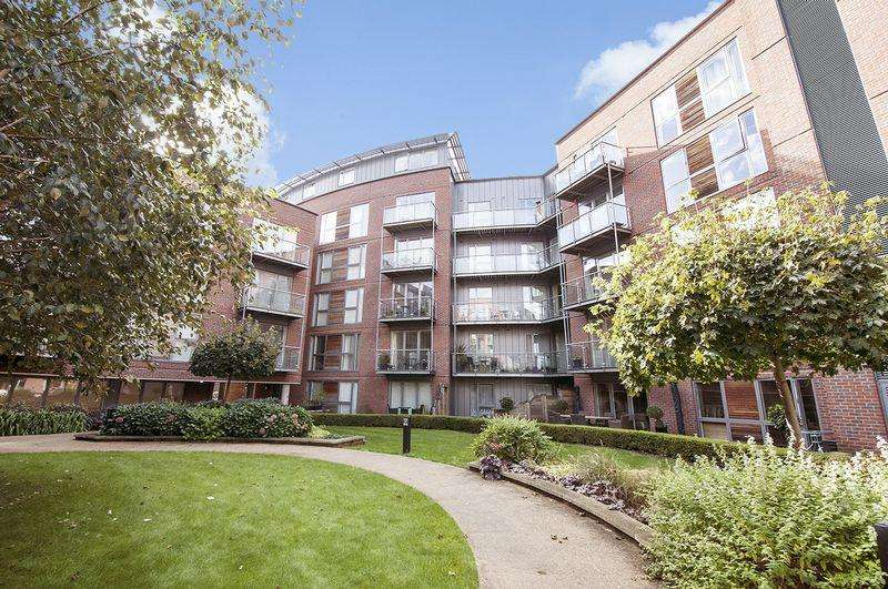 2 Bedrooms Apartment Flat for sale in The Heart, Walton-on-Thames.