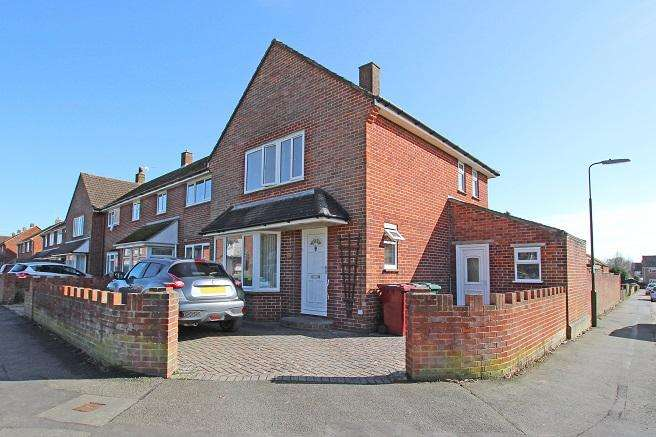 3 Bedrooms End Of Terrace House for sale in Newlands Lane, Chichester PO19