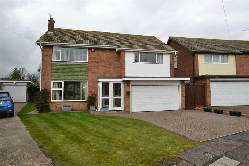 4 Bedrooms Detached House for sale in Vermont Close, Clacton-on-Sea, Essex