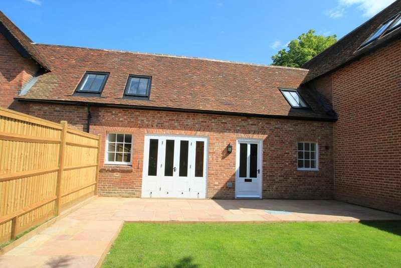 2 Bedrooms Terraced House for sale in Talbot Road, Hawkhurst, Kent, TN18 4LX
