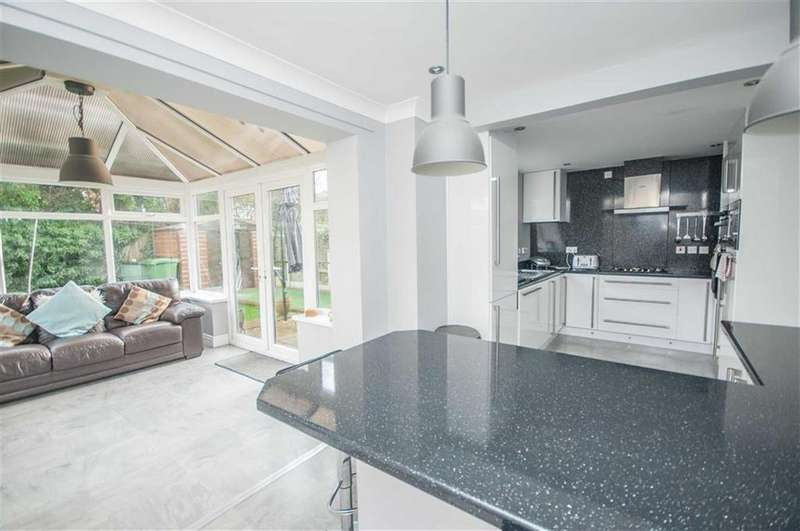 4 Bedrooms Detached House for sale in Cledwen Road, Broughton, Flintshire, Chester