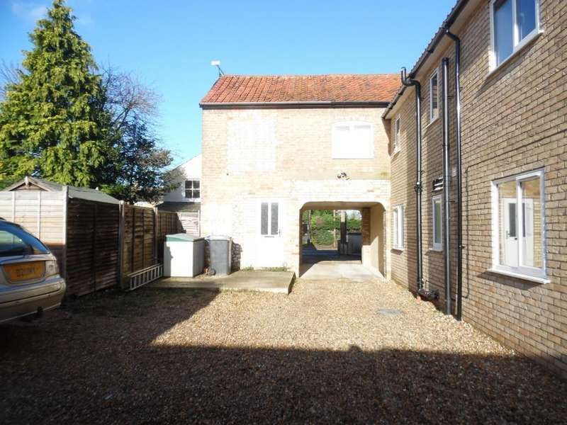2 Bedrooms Flat for sale in Kingsway , Mildenhall
