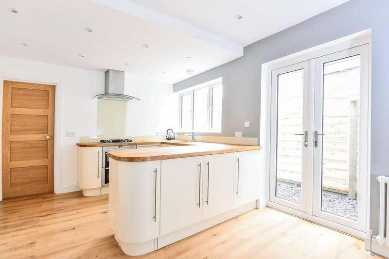 4 Bedrooms Terraced House for sale in Fallsbrook Road, Furzedown