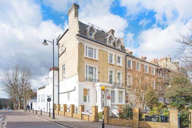 2 Bedrooms Maisonette Flat for sale in North Road, Highgate Village, London, N6