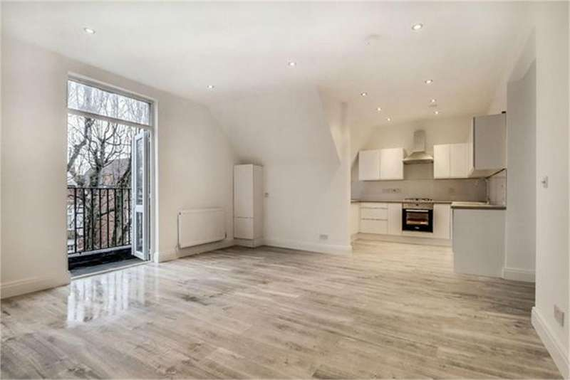 2 Bedrooms Flat for sale in Park Avenue, London