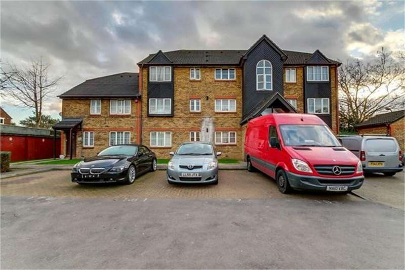 3 Bedrooms Flat for sale in Kingfisher Way, London