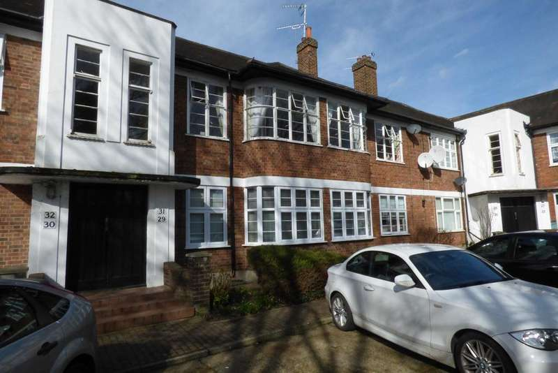 3 Bedrooms Ground Flat for sale in Byron Mansions, Corbets Tey Road, Upminster RM14