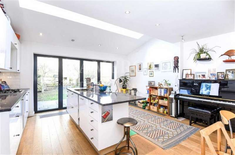3 Bedrooms End Of Terrace House for sale in Keslake Road, Queens Park, London, NW6