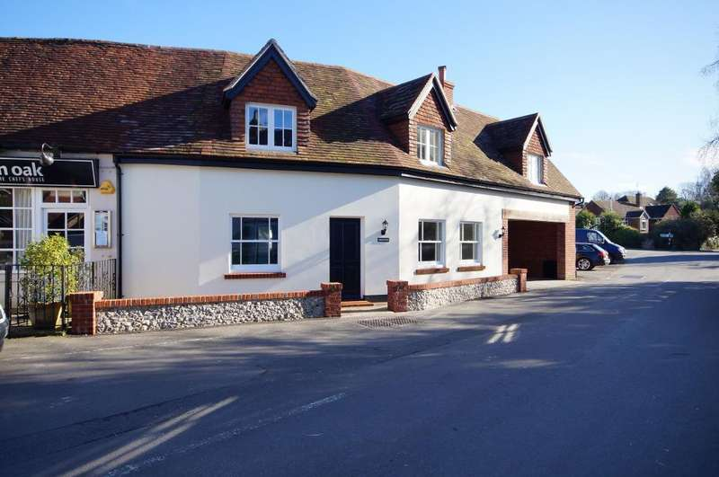 3 Bedrooms Semi Detached House for rent in The Square, Findon, West Sussex, BN14 0TE