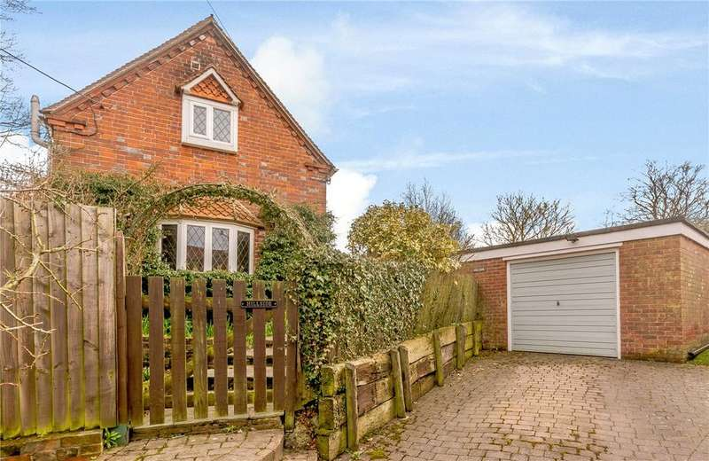 2 Bedrooms Semi Detached House for sale in Graces Lane, Chieveley, Newbury, Berkshire, RG20