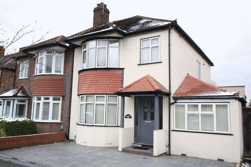 4 Bedrooms Semi Detached House for sale in Charldane Road, New Eltham SE9