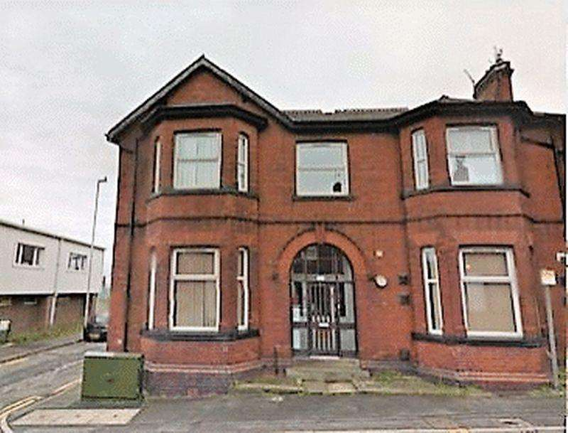 6 Bedrooms Terraced House for sale in Townley Street, Manchester