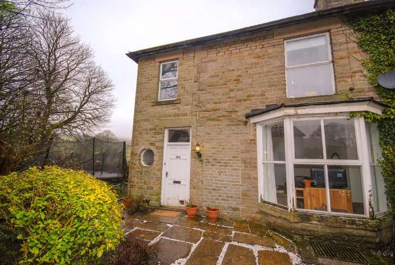 3 Bedrooms Semi Detached House for sale in St Johns Road, Buxton