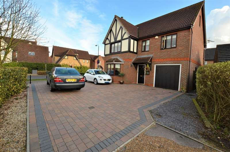 6 Bedrooms Detached House for sale in Whieldon Grange, Harlow CM17