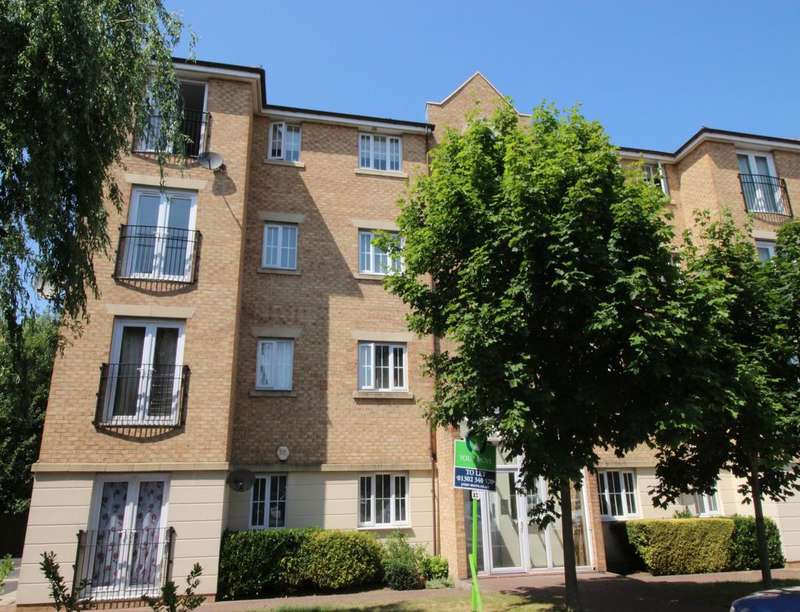 2 Bedrooms Flat for rent in Cornflower Drive, Bessacarr, Doncaster, DN4