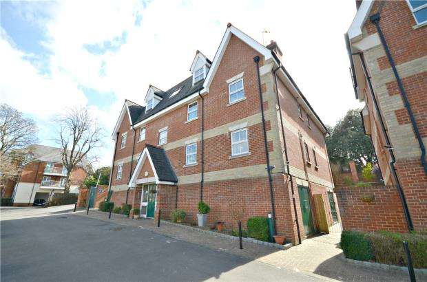 2 Bedrooms Apartment Flat for sale in Bayeux Court, Connaught Road, Reading