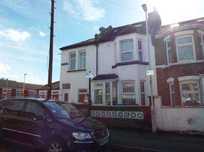 4 Bedrooms Terraced House for sale in Forest Gate, London, England