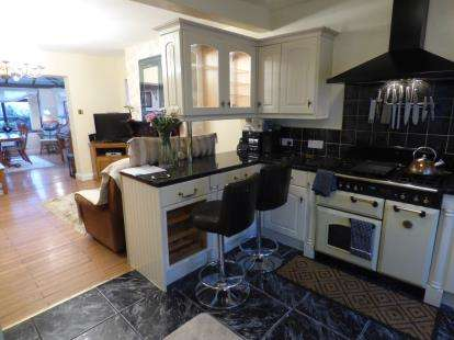 3 Bedrooms Detached House for sale in Mill Street, Mansfield, Nottinghamshire