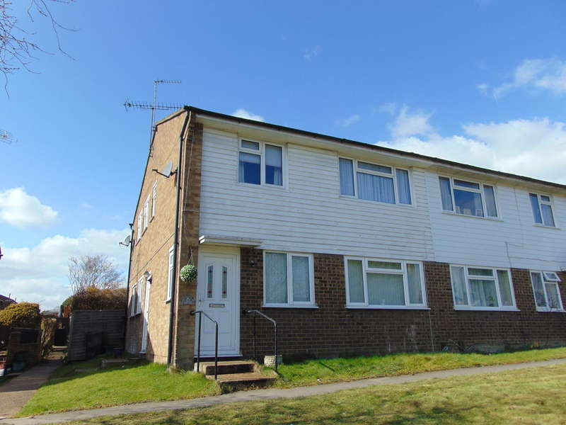 2 Bedrooms Ground Maisonette Flat for sale in Ashen Vale, South Croydon, Surrey, CR2 8JA