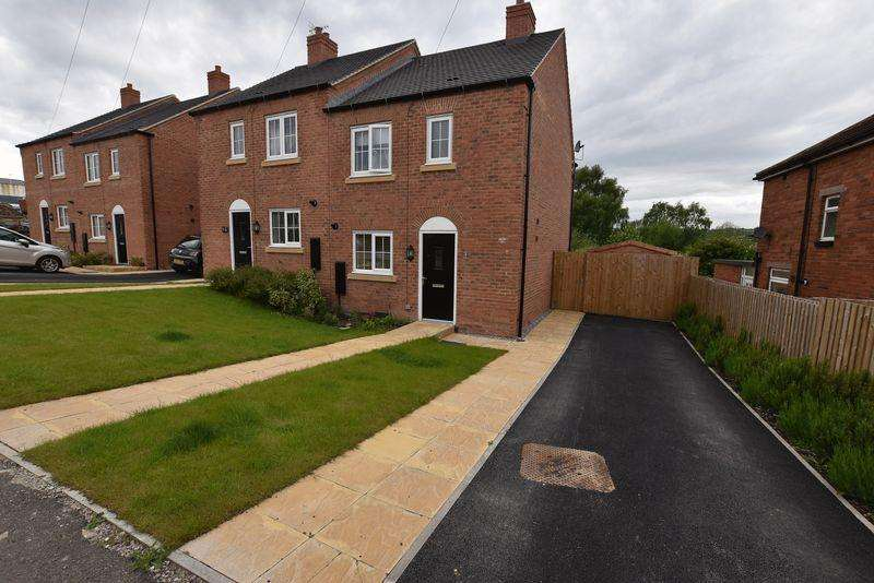 3 Bedrooms Semi Detached House for sale in Senn Row, Stoke-On-Trent