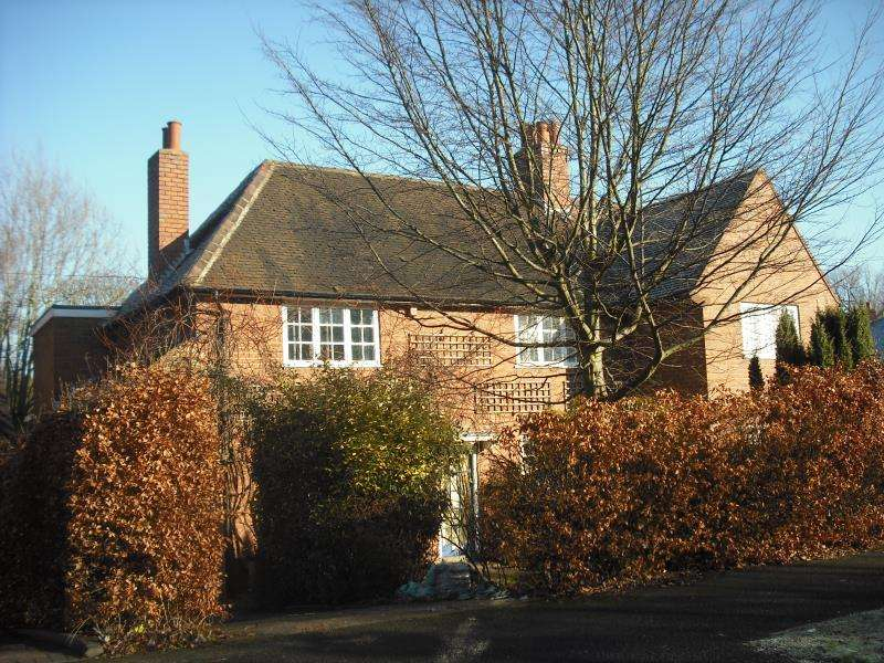 3 Bedrooms Semi Detached House for sale in Middlepark Road, Bournville, West Midlands
