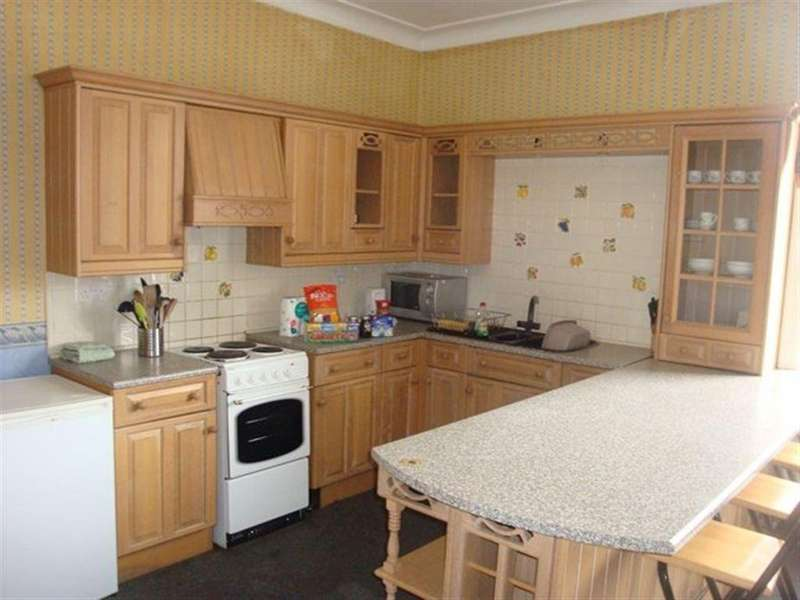 4 Bedrooms Flat for rent in Readhead Avenue, South Shields